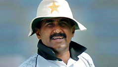 Ex-Pakistan cricket great Miandad says spot-fixers should be hanged