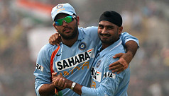 Yuvraj, Harbhajan face backlash for supporting Pakistan virus fund