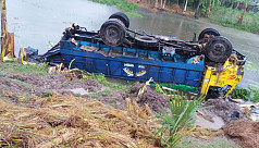 13 killed in Gaibandha road accident