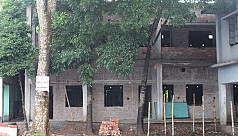 Under construction school develops cracks, locals blame the headmaster