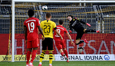 Bayern down Dortmund to close on Bundesliga title
