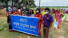 JCI Young distributes food relief to Daulatdia sex workers