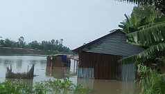 People marooned, continue to suffer in flood-affected districts