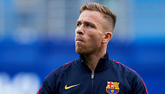 Barcelona midfielder Arthur to join...