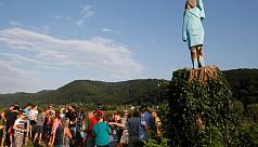 Melania Trump statue burned in Slovenia