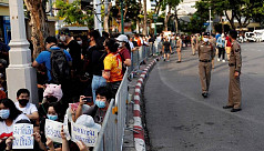 Thai pro-government rally raises risk of new confrontations