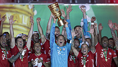 Neuer says Bayern hungry for treble after Cup triumph