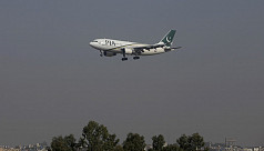 US bans Pakistan's PIA flights over pilot concerns