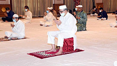 President offers Eid prayers at Bangabhaban...