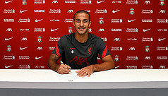 Liverpool sign Bayern's Alcantara