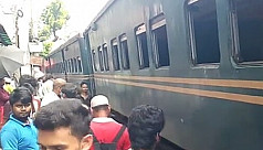 4 bogies derail on Dhaka-Narayanganj route, service snapped for 1.5hrs
