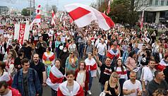 Belarus police step up clampdown with hundreds of arrests