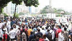 Migrant workers demonstrate in Dhaka for tickets to return to Saudi Arabia