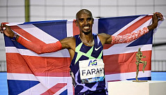 Mo Farah sets world one-hour record on return to track