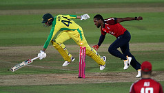 England see off Australia in final-ball...