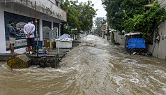 Floods kill 60 in India, damage...