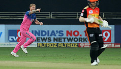 Archer claims Warner again but SRH have last laugh