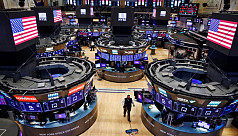 US stock futures extend losses as Trump...