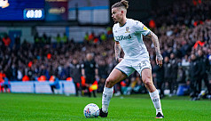 Leeds midfielder Phillips out for six...
