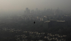 Pollution hangs over New Delhi as farm...