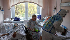 Covid-19 cases in Russia surpass 2m as infections and deaths hit new highs