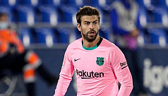 Pique among four players to get new Barcelona contracts