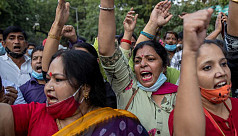 5 police suspended over India gang rape