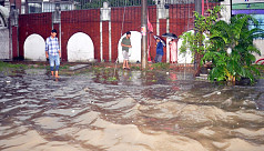 Heavy rains throw civic life out of gear in Chittagong