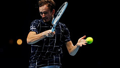 Medvedev opens ATP Finals account with...