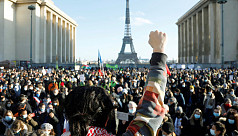 Demonstrators decry French bill to curb...