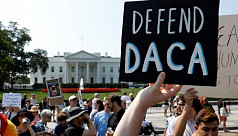 Judge stops White House from immediately expelling unaccompanied minors