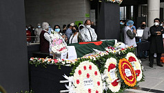 Tributes pour in for Aly Zaker, burial at Banani graveyard