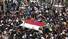 Thousands attend Pakistani cleric's funeral despite Covid-19 curbs