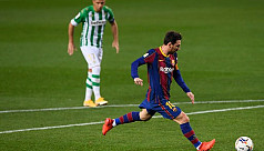 Messi at the double against Betis after...