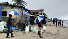 Second cyclone in a week threatens Sri Lanka, India