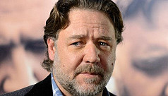 Russell Crowe hits back at Twitter...
