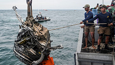 Indonesia steps up 'black box' hunt