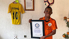 Nigerian 12-year old Eche sets freestyle world record