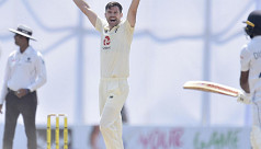 Anderson takes six, Root leads England reply