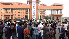 Barisal University students resume protest over attack on fellows