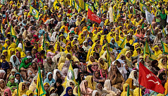 Protesting Indian farmers vow to amass...