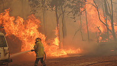 Australia tells thousands to leave homes...