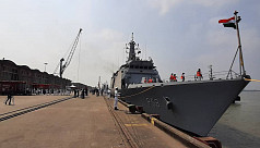 Indian Navy ships reach Bangladesh to...