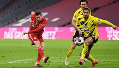 Lewandowski steers Bayern past...