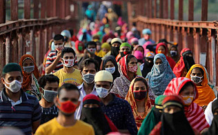 Experts: No downside to wearing a mask